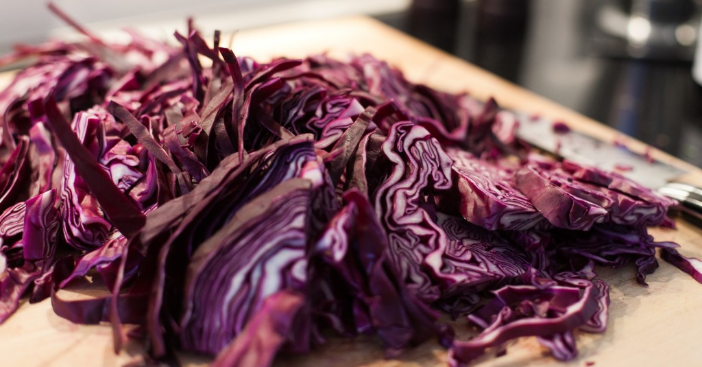 Fresh red cabbage for sugar-free pickled red cabbage